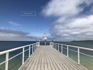 海に浮かぶ橋の写真・画像素材[1746612]