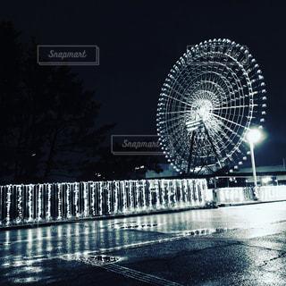 雨×イルミネーションの写真・画像素材[2382256]