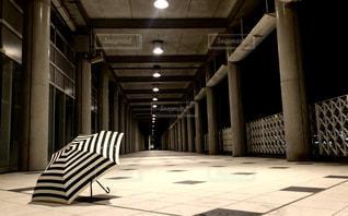 白い傘 - No.1179347