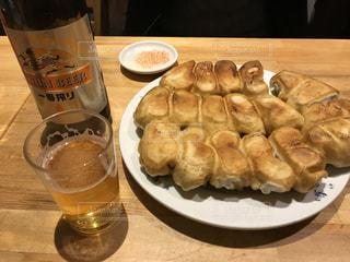 餃子とビールの写真・画像素材[1177486]