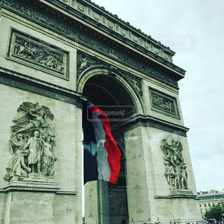 凱旋門の前での写真・画像素材[1177883]