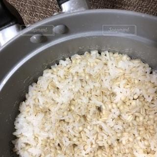 炊きたてのご飯の写真・画像素材[1497328]