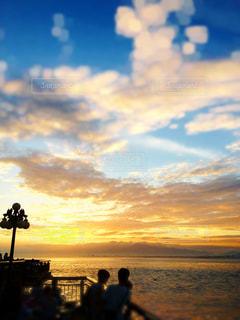 夕暮れの空と海の写真・画像素材[1188482]
