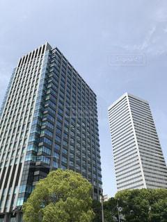 都会のオフィスビルの写真・画像素材[1183607]