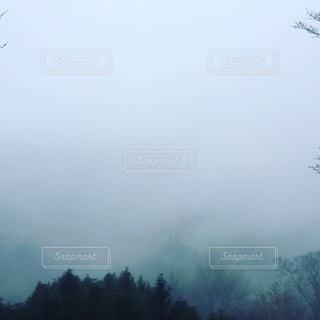 山奥の霞の写真・画像素材[1184559]