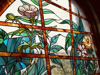 大きな窓の絵の写真・画像素材[1188959]