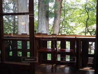 大きな窓のあるカフェ 本宮カフェ 日光カフェの写真・画像素材[2722800]