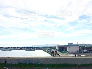漁港と漁船の写真・画像素材[1264998]
