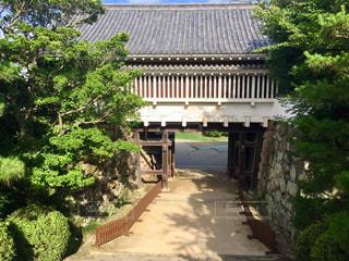 岡山城の門の前の写真・画像素材[1368758]