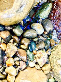 海岸の小石の光の写真・画像素材[1427468]