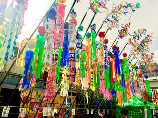 七夕祭りのカラフルな飾りの写真・画像素材[1427492]