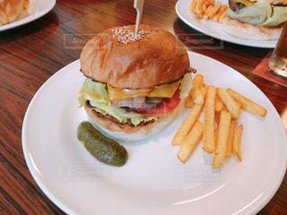 ハンバーガーの写真・画像素材[1214758]
