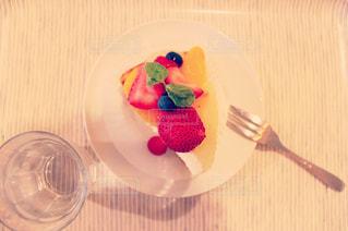 午後のデザート・いちごのショートケーキの写真・画像素材[191560]