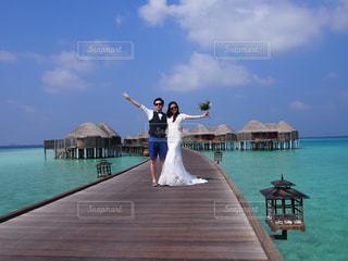 桟橋の夫婦の写真・画像素材[1185684]