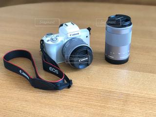 白いカメラの写真・画像素材[2123650]