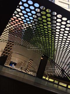 ビルの作る陰影、秋の日の写真・画像素材[1187589]