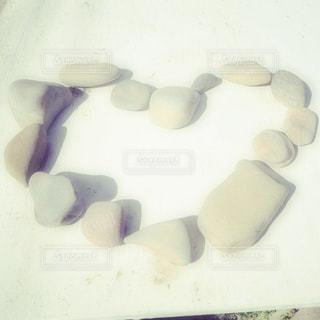 ハートの石の写真・画像素材[1187553]
