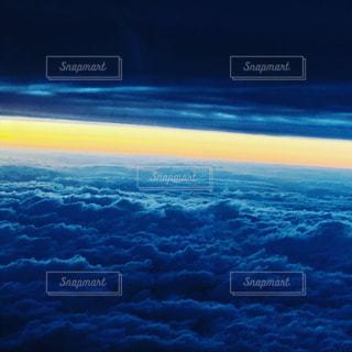 昼と夜の境い目の写真・画像素材[1187989]