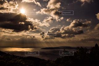 朝陽の写真・画像素材[1215492]