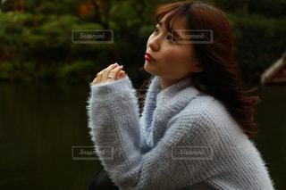 ポーズをとる女性の写真・画像素材[1192969]