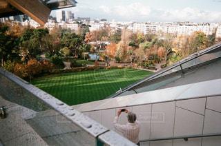 Fondation Louis Vuitton 屋外の写真・画像素材[1193541]