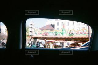 タクシーからのパリの写真・画像素材[1193546]