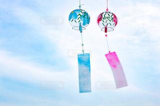 宙を舞う凧の写真・画像素材[1275515]