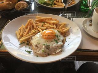 パリの朝食の写真・画像素材[1196616]