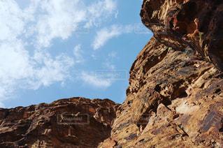 岩肌の青空 中東アラブの写真・画像素材[1194129]