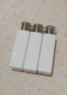 白い容器の写真・画像素材[1267523]