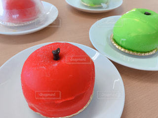 リンゴの形をしたケーキの写真・画像素材[1371288]