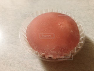 いちごのわらび餅の写真・画像素材[2340202]