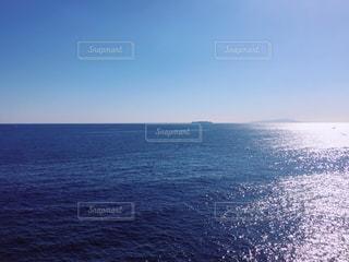 青と青の地平線の写真・画像素材[1196598]