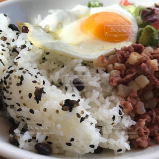 皿の上のご飯 - No.1197363