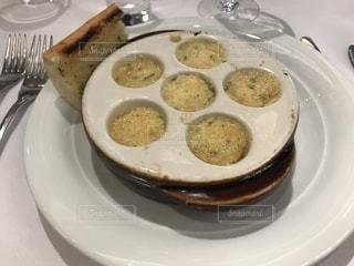 クルーズ船のレストラン 帆立のガーリックバター焼きの写真・画像素材[1198088]