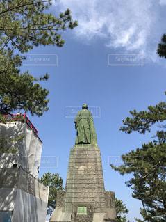 桂浜の坂本龍馬像の後ろ姿の写真・画像素材[1198105]