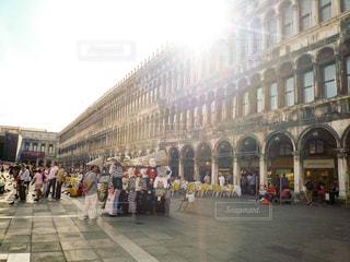 ヴェネツィア サンマルコ広場 ゴンロラーレTシャツのおみやげ屋の写真・画像素材[1214901]