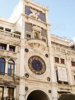 サンマルコ広場にある時計台の写真・画像素材[1214903]
