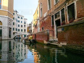 ヴェネツィアの小運河の写真・画像素材[1218419]