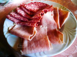 ヴェネツィアのホテルの朝食で食べたハムの写真・画像素材[1218433]