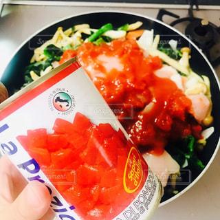 フライパンでトマト煮を作ります。の写真・画像素材[1273977]