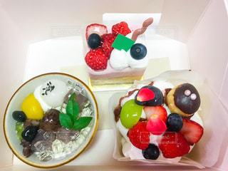 ケーキ3個の写真・画像素材[1405684]