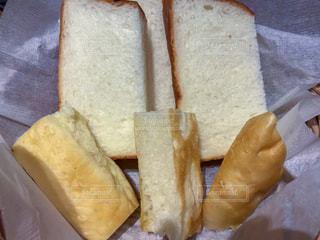 食パンとフォカッチャの写真・画像素材[2141063]
