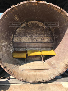 小豆島 醤油樽のバス停の写真・画像素材[2141067]