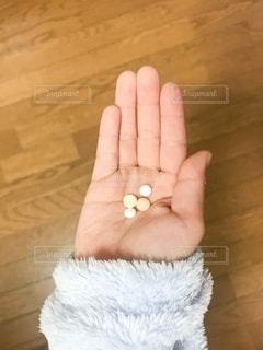 掌の錠剤の写真・画像素材[2775752]