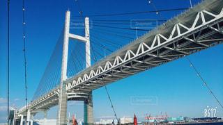 船から見上げたブリッジの写真・画像素材[1200021]