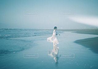 朝の海辺の写真・画像素材[1253371]