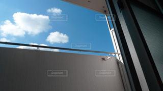 青と白のサインオン ウィンドウの写真・画像素材[1199720]