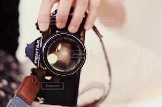 近くにカメラを持っている人のの写真・画像素材[1312883]