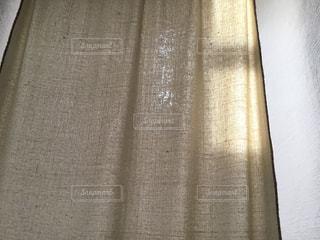 近くにカーテンのアップの写真・画像素材[1259255]